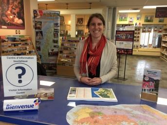 Yvette Comeau, gérante du centre d'information touristique, Rendez-vous de la Baie